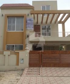 5 Bed 8 Marla House For Sale in Bahria Nasheman - Zinia, Bahria Nasheman