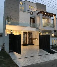 10 Marla House For Sale in Tariq Gardens - Block E, Tariq Gardens