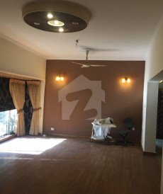 4 Bed 1 Kanal House For Sale in Garden Town, Lahore