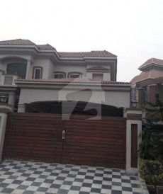 6 Bed 1 Kanal House For Sale in NFC 1, Lahore