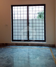 3 Bed 1 Kanal Lower Portion For Rent in DHA Phase 4 - Block GG, DHA Phase 4