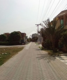 6 Bed 1 Kanal House For Sale in Canal View, Lahore
