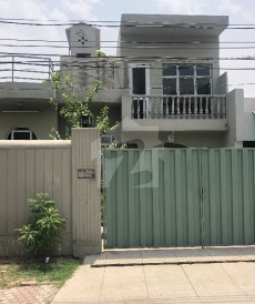 4 Bed 1 Kanal House For Sale in Model Town - Block P, Model Town
