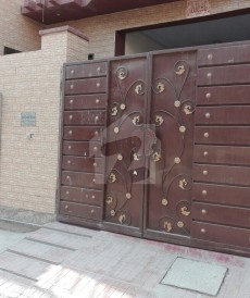 5 Bed 7 Marla House For Sale in Samanabad, Lahore