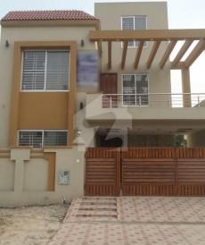 5 Bed 8 Marla House For Sale in Bahria Nasheman - Sunflower, Bahria Nasheman