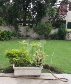 5 Bed 2.7 Kanal House For Sale in Nisar Colony, Cantt