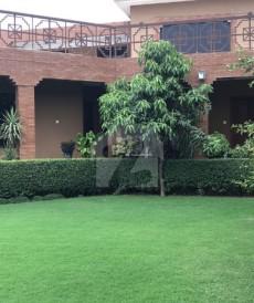 9 Bed 2 Kanal House For Sale in Hayatabad Phase 2 - J1, Hayatabad Phase 2