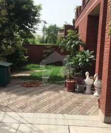6 Bed 1 Kanal House For Sale in Canal View Phase 1, Canal View