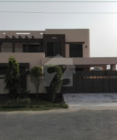 7 Bed 1 Kanal House For Sale in Central Park Housing Scheme, Lahore