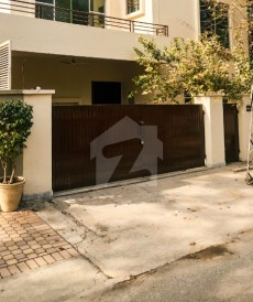 4 Bed 10 Marla House For Sale in Cantt, Lahore