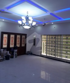 6 Bed 1 Kanal House For Sale in Nasheman-e-Iqbal, Lahore