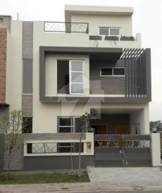 3 Bed 5 Marla House For Sale in Dream Gardens, Defence Road
