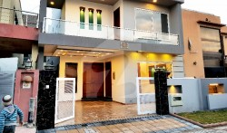 5 Bed 10 Marla House For Sale in Bahria Town Islamabad