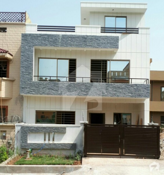 Beautiful House For Sale G-13/4, Islamabad Size 111.11 Sq