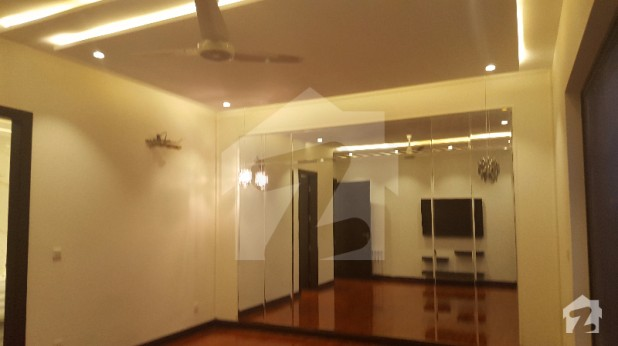 1 Kanal Brand New Out Class Design Palace Master Piece Of