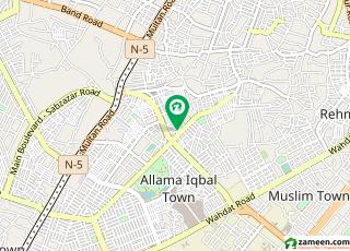 مون مارکیٹ علامہ اقبال ٹاؤن لاہور میں 1 کمرے کا 1 مرلہ کمرہ 14 ہزار میں کرایہ پر دستیاب ہے۔
