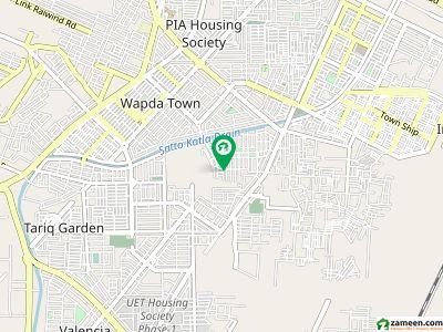 پی جی ای سی ایچ ایس فیز 2 - بلاک سی پی جی ای سی ایچ ایس فیز 2 پنجاب گورنمنٹ ایمپلائیز سوسائٹی لاہور میں 1 کمرے کا 1 مرلہ کمرہ 15 ہزار میں کرایہ پر دستیاب ہے۔