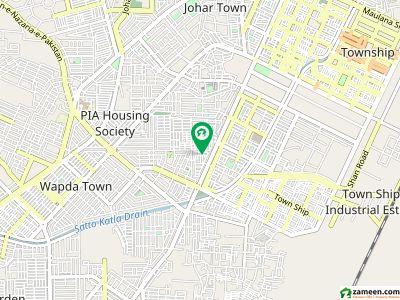متین ایوینیو لاہور میں 2 کمروں کا 4 مرلہ بالائی پورشن 18 ہزار میں کرایہ پر دستیاب ہے۔