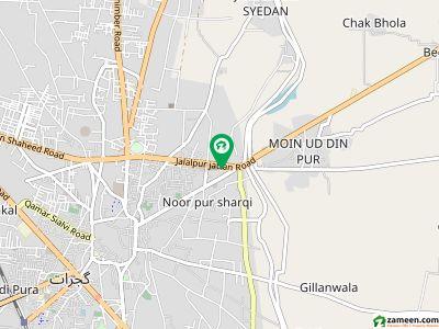 جلال پور جٹاں روڈ گجرات میں 4 مرلہ عمارت 2 کروڑ میں برائے فروخت۔