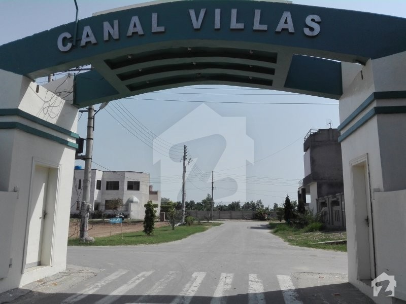 Canal Villas